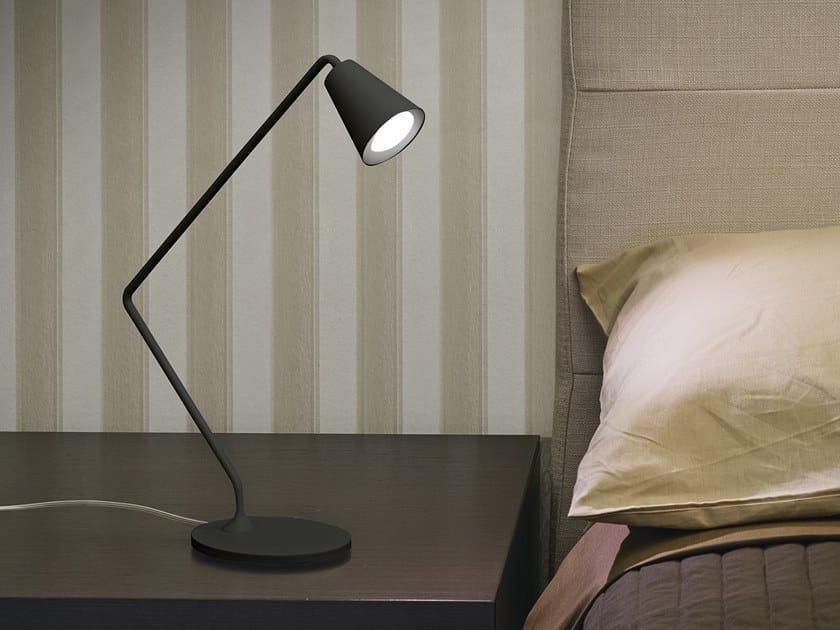 Lampada da tavolo a LED in alluminio verniciato a polvere CONUS_TAB by Linea Light Group