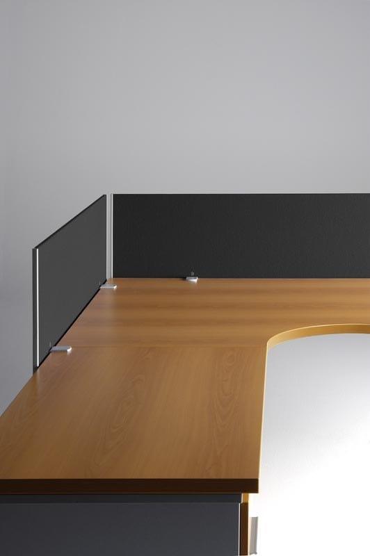CORA Scrivania rettangolare - Particolare divisori per scrivania
