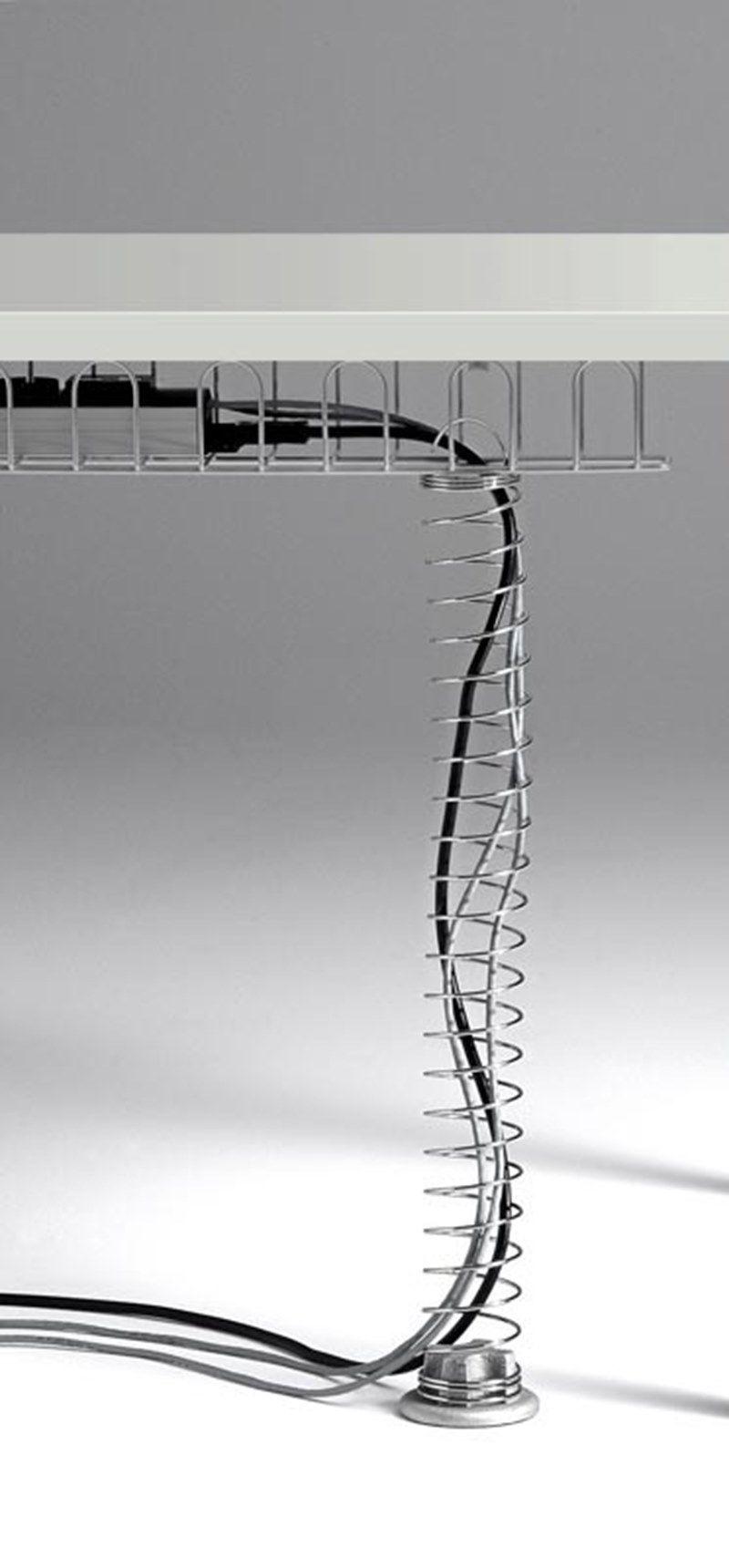 CORA Scrivania rettangolare - Particolare canalizzazione verticale