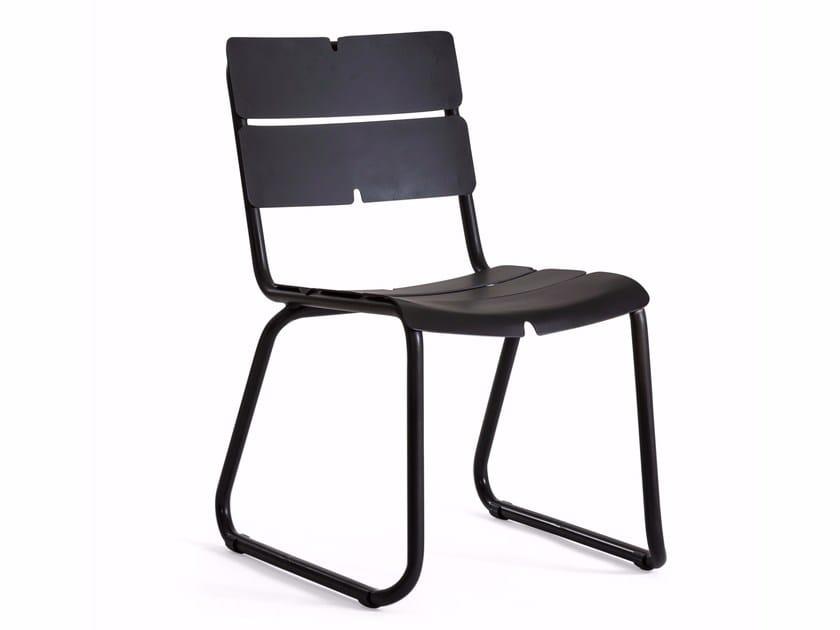 Sled base aluminium chair CORAIL | Sled base chair by OASIQ