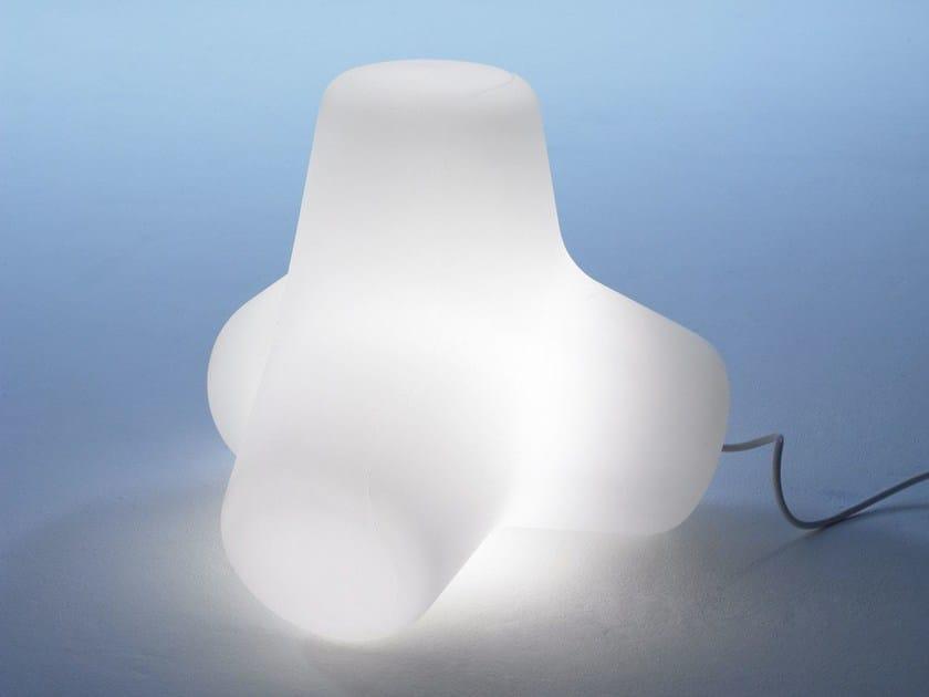 Lampada da tavolo in polietilene CORAL | Lampada da tavolo by Derlot Editions