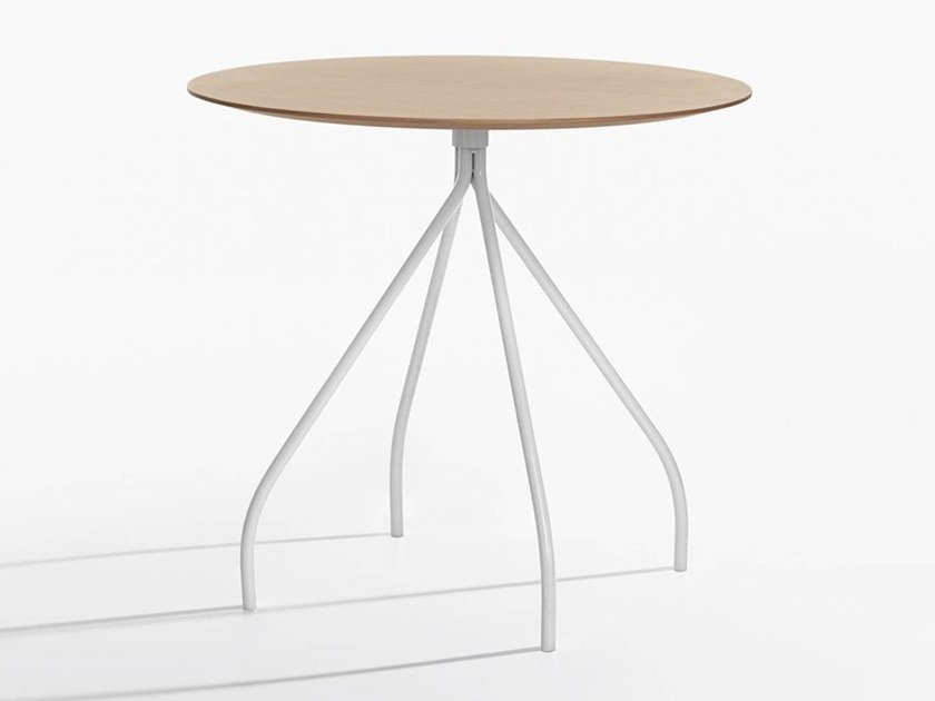 Round meeting table CORDUSIO | Meeting table by IOC
