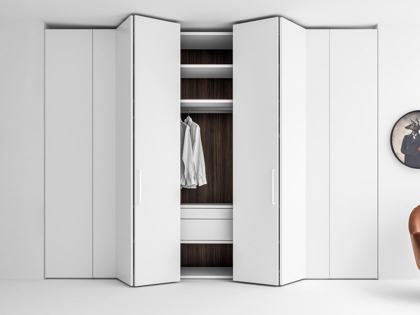 Sectional lacquered wardrobe with folding doors CORE | Wardrobe with folding doors by Caccaro