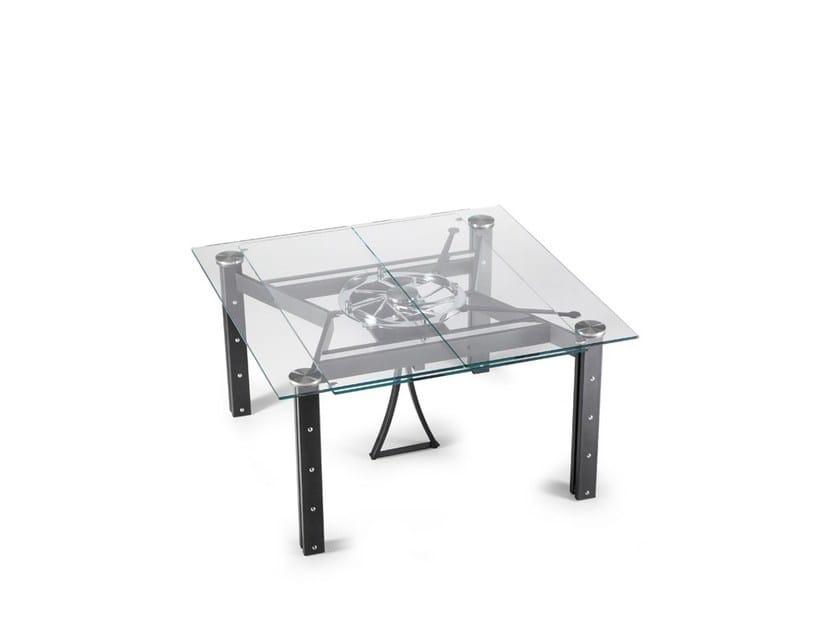 COSMOS | Mesa cuadrada By NAOS diseño Studio D\'Urbino Lomazzi