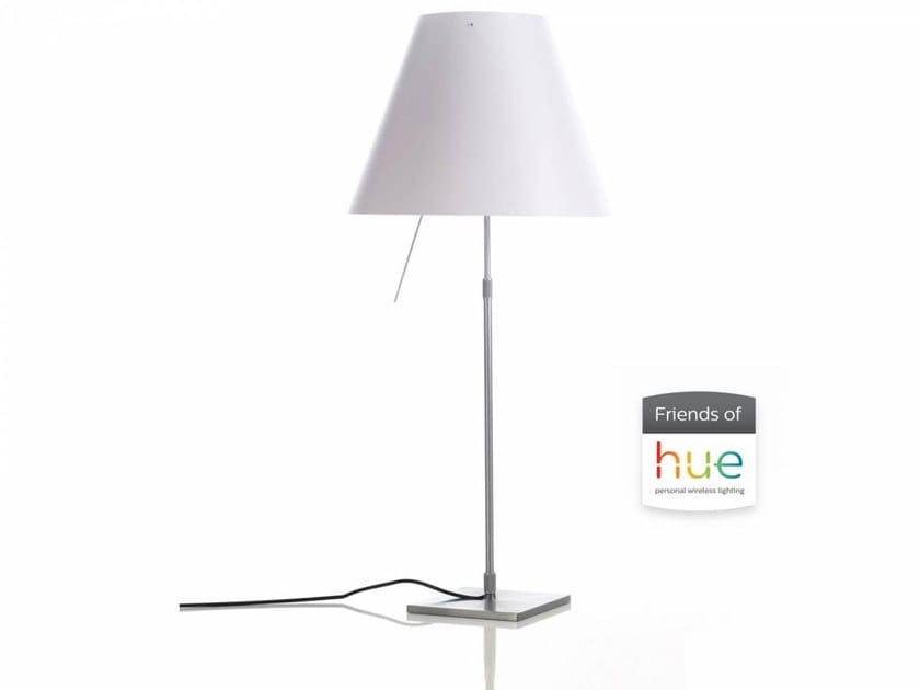 Lampada da tavolo a LED in policarbonato con sistema RGB COSTANZA FRIENDS OF HUE | Lampada da tavolo by LUCEPLAN