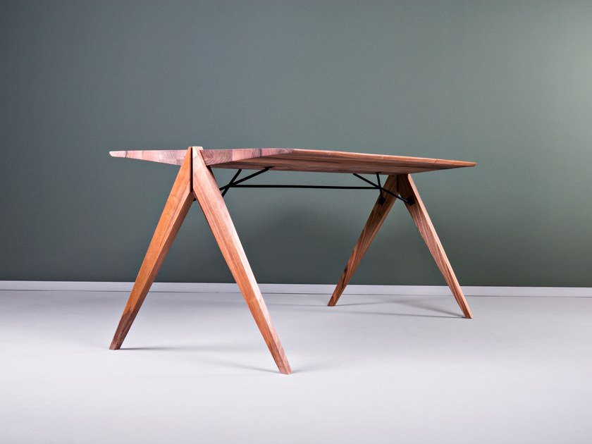 Rectangular wooden dining table CROCODILE | Table by HOOKL und STOOL