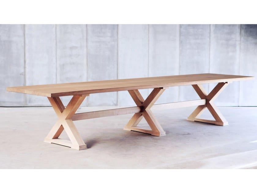 Custom oak table CROSS MTM by Heerenhuis