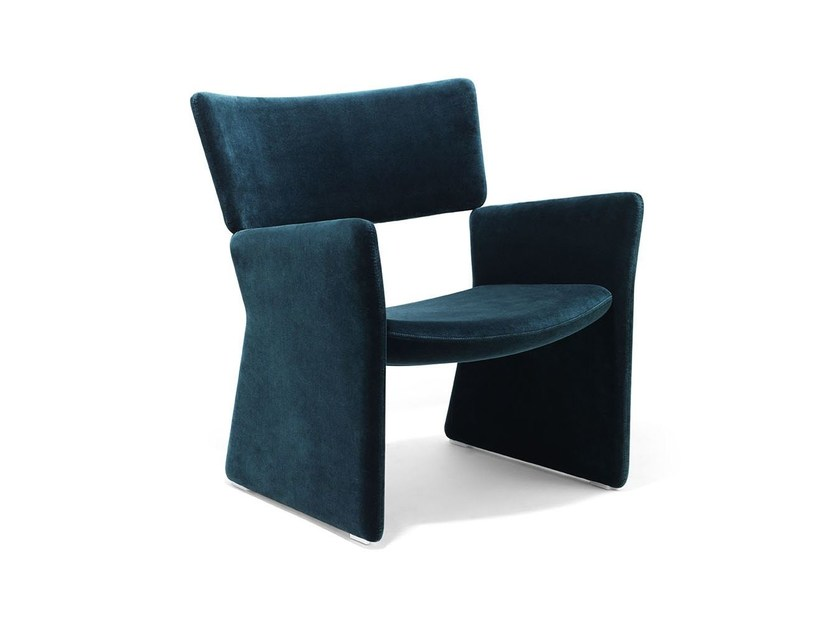 Fully upholstered easy chair CROWN | Armchair by Massproductions