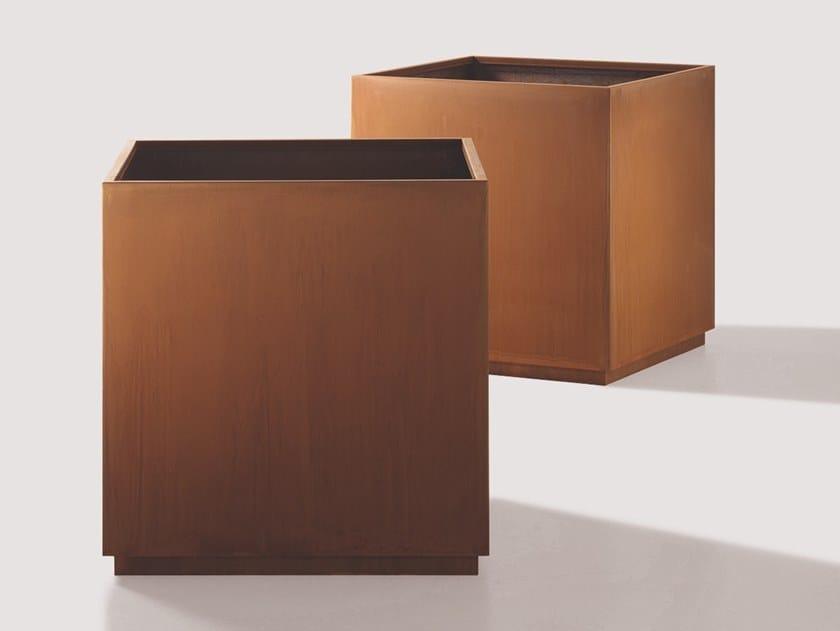 Portavaso quadrato in metallo CUBE by DE CASTELLI