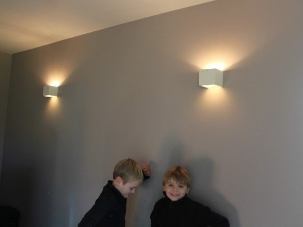 Plaster wall light CUBE | Direct-indirect light wall light by GESSO