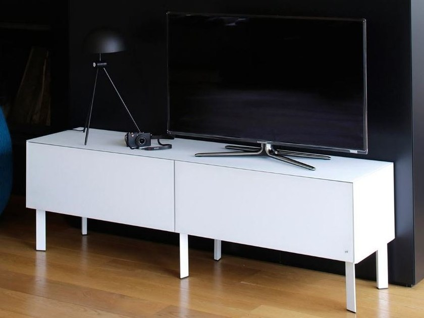 Low lacquered wooden TV cabinet with cable management CUBE   TV cabinet by Joli