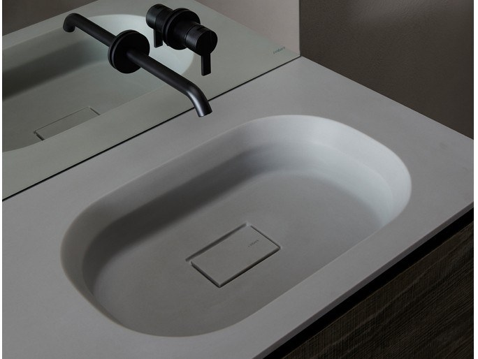 Cementsolid washbasin with integrated countertop CUBE | Cementsolid washbasin by INBANI