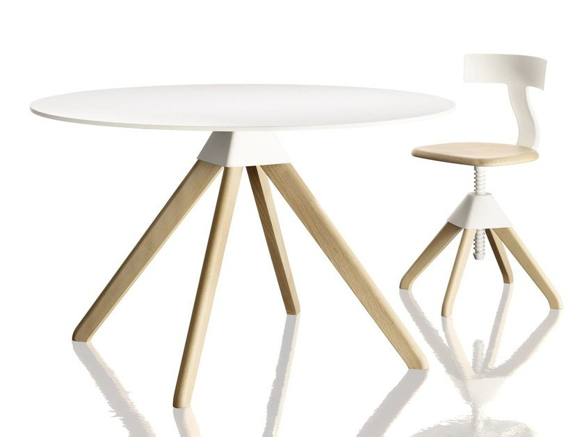 Round beech table CUCKOO by Magis