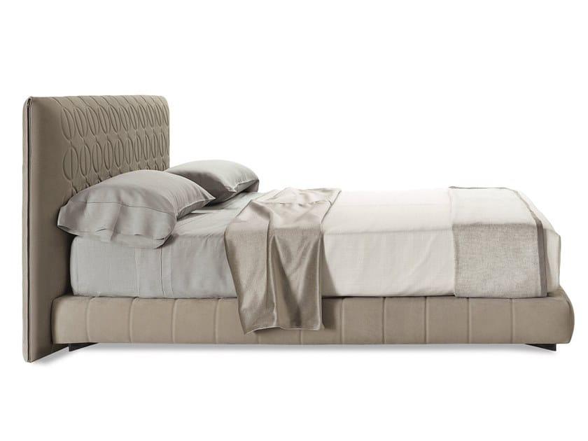 Кровать CURTIS by Minotti