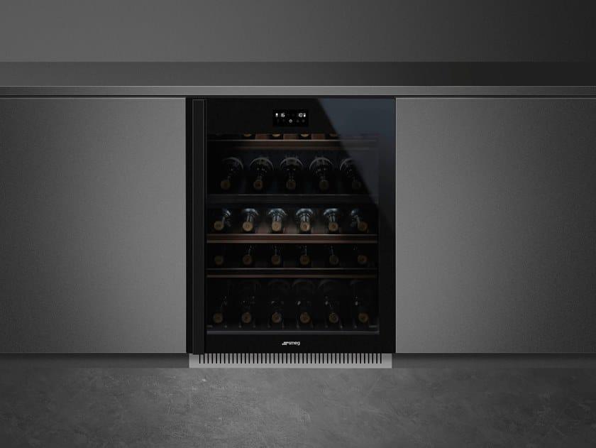 Built-in glass wine cooler Class A CVI638-WN2 by Smeg