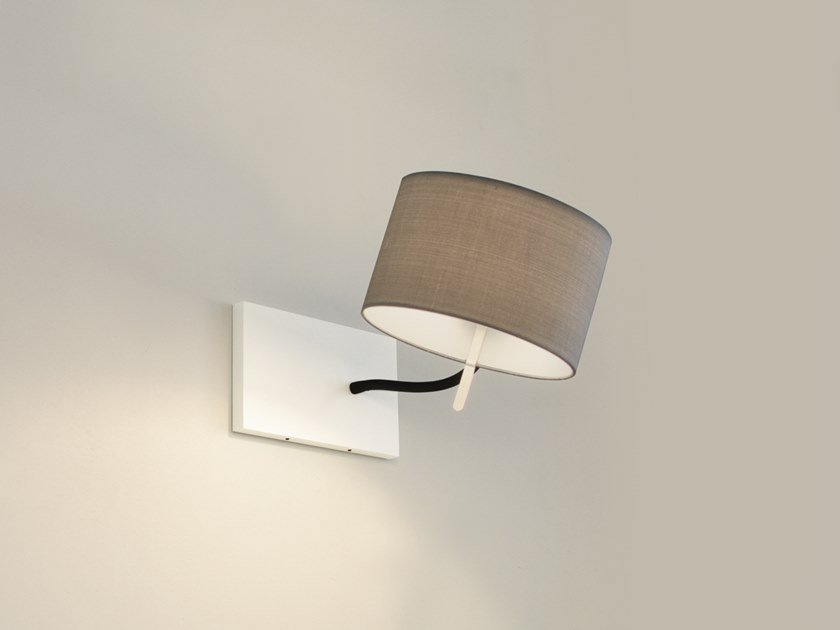 Adjustable wall lamp CYLS_READ by filumen