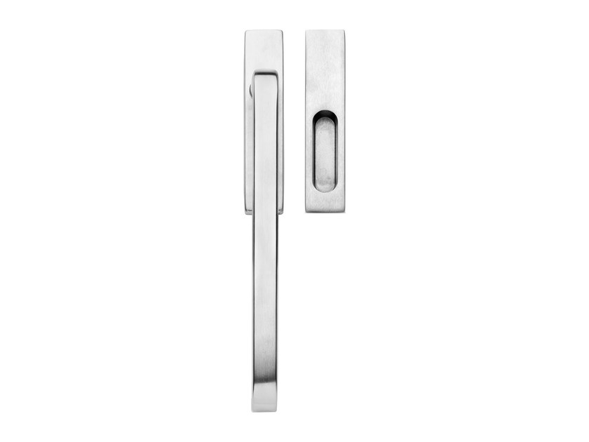 Contemporary style brass pull handle Contemporary style pull handle by LINEA CALI'