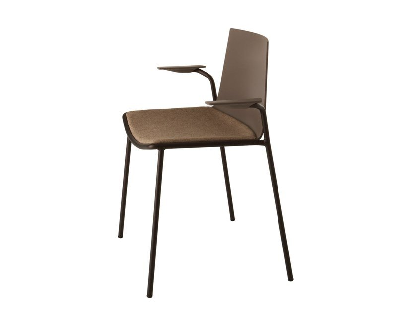 Chair with armrests with integrated cushion CUBA 621N by Metalmobil