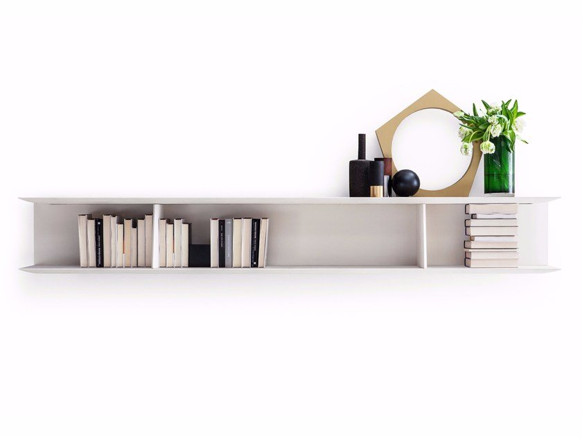 Wall-mounted floating bookcase D.355.1 by Molteni