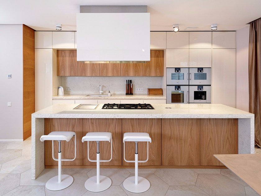 Elm and stone kitchen with island D90/T45 by TM Italia Cucine