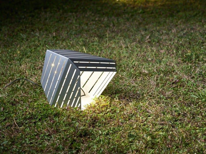Lampada da terra per esterno in metallo DADÌ | Lampada da terra per esterno in metallo by ZAVA
