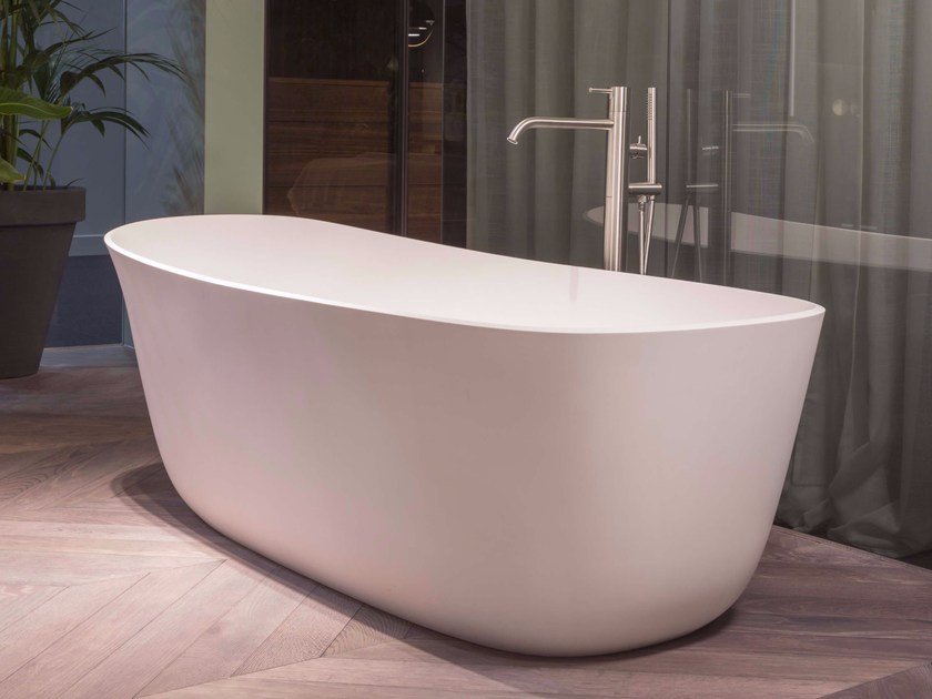 Freestanding oval Cristalplant® bathtub DAFNE by Antonio Lupi Design