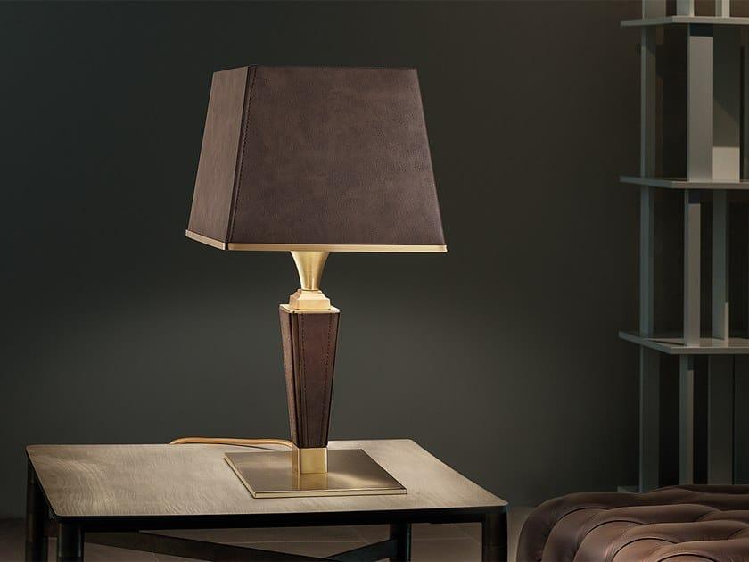 Lampada da tavolo a luce diretta e indiretta in ecopelle DARSAHN TL1 by Masiero