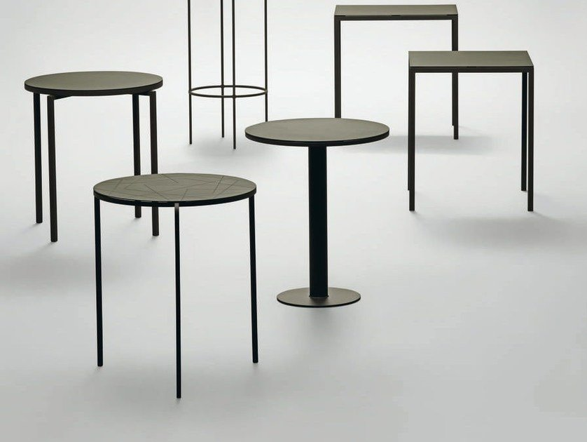 Round side table DATE | Round coffee table by da a