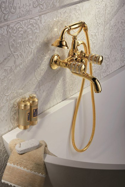 Rubinetto per vasca a muro in stile classico con doccetta DELUXE PRESTIGE | Rubinetto per vasca by newform