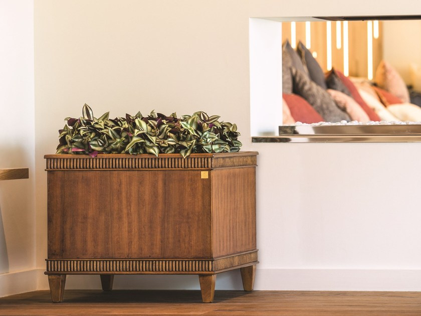Square wood veneer plant pot with automatic watering DESIDERI | Square plant pot by Hobby Flower