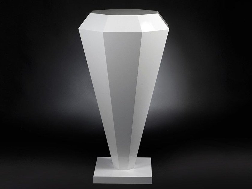 Acrylic pedestal DIAMANTE CADEAU by VGnewtrend