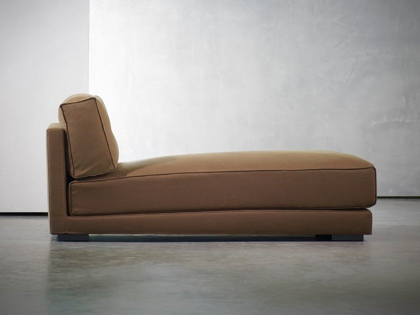 Upholstered day bed DIEKE LIVING | Day bed by Piet Boon