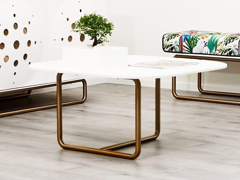 Tavolino quadrato in Corian® DISTINCT | Tavolino by AMA Design