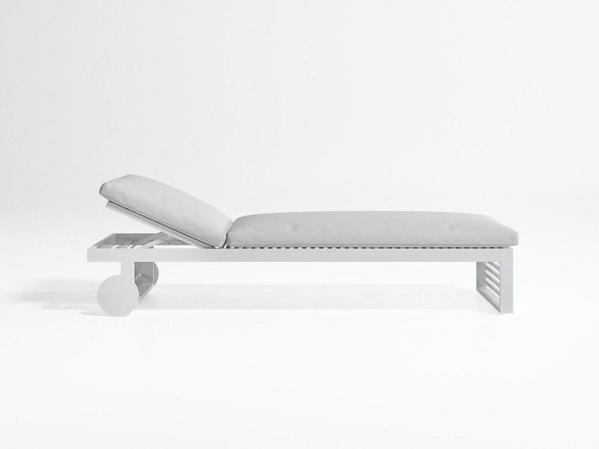 Recliner aluminium garden daybed with Casters DNA | Garden daybed by GANDIA BLASCO