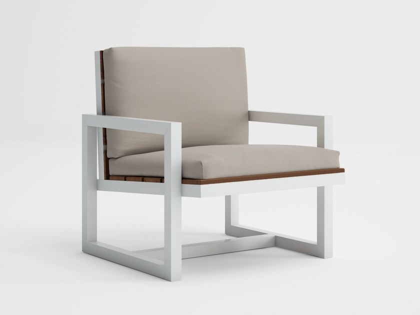 Teak garden armchair with armrests SALER SOFT TEAK | Garden armchair by GANDIA BLASCO