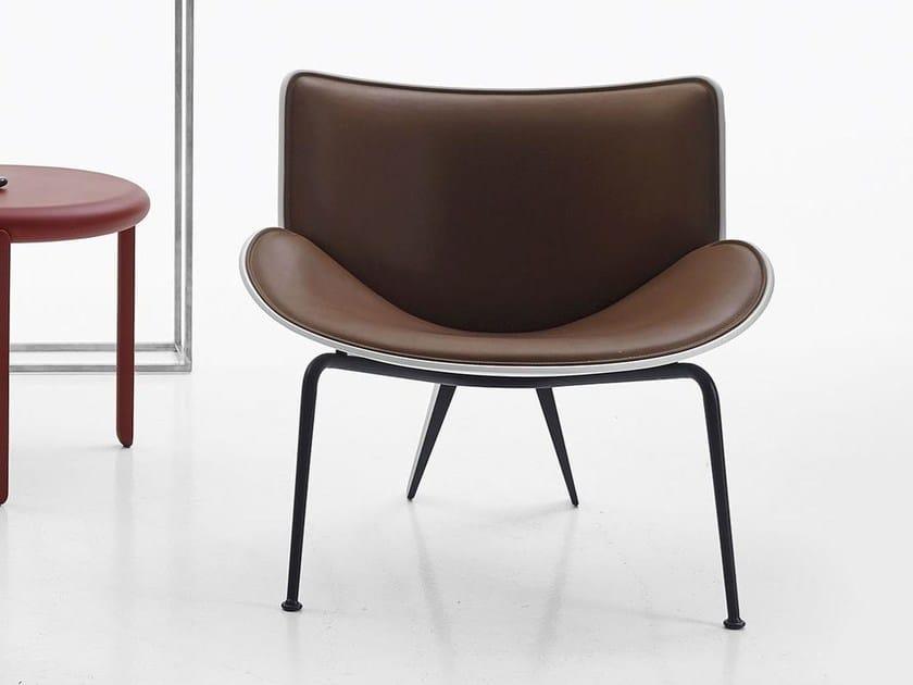 Petit Fauteuil Rembourré En Cuir De Style Contemporain DOMARU By - Petit fauteuil cuir design