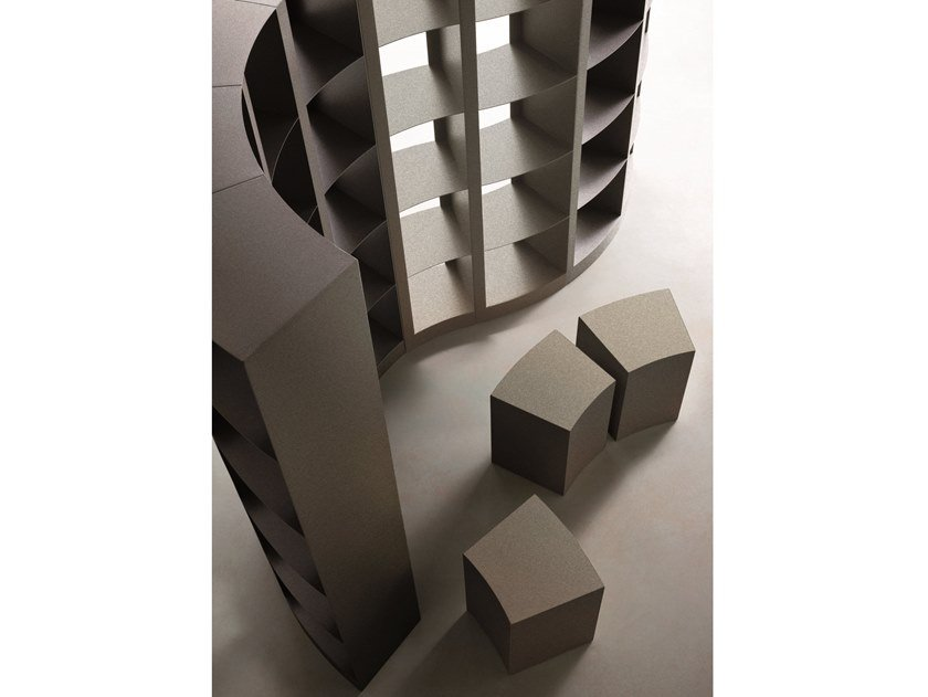 Double sided bookshelf in laser-cut metal DODA by ELITE TO BE