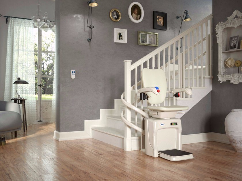 Chairlift for curved staircases DOLCE VITA by Vimec