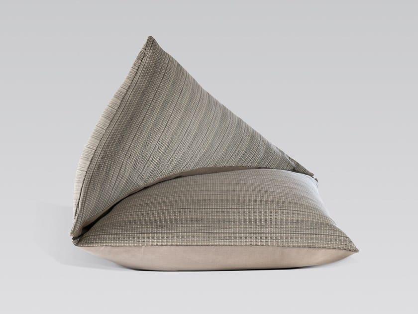 Poltrona in tessuto DOMENICA by LIAH Design