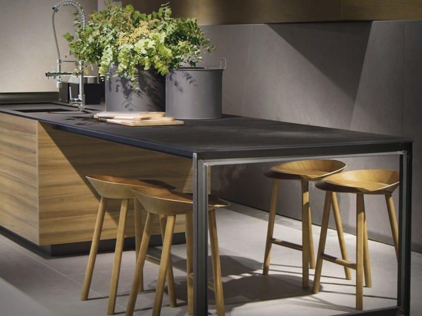 Porcelain stoneware kitchen worktop DOMO ITOPKER by Inalco