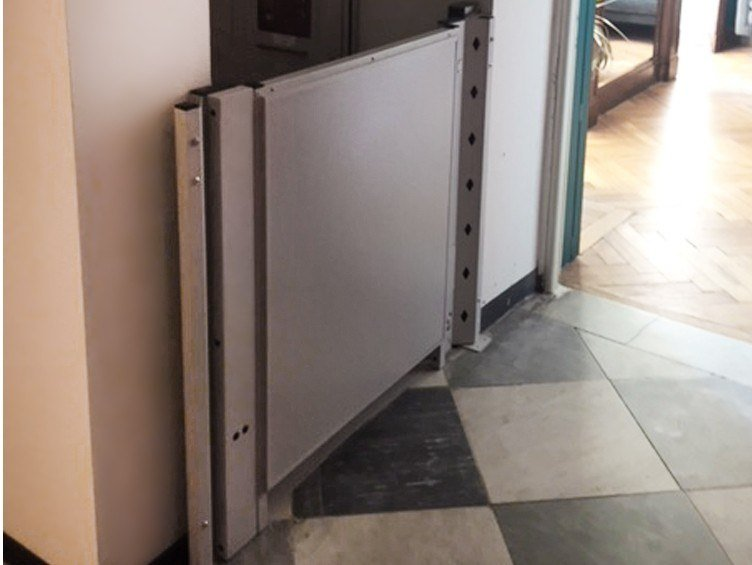 Platform lift for small height difference DOMOSTEP 160A by AREALIFT
