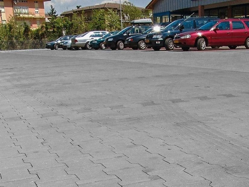 Concrete paving block DOPPIA T sharp edge by FERRARI BK