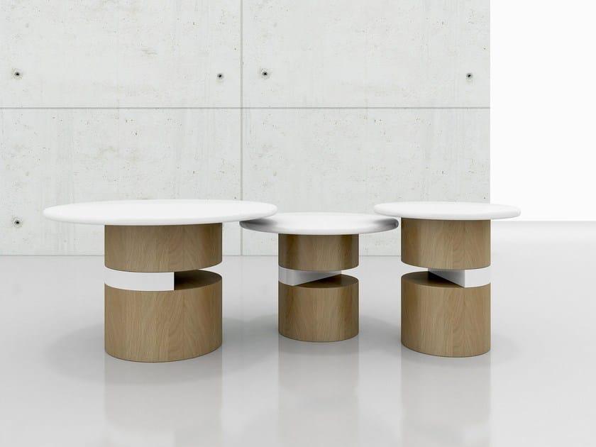 Round wood veneer coffee table DOT by Tuna Ofis