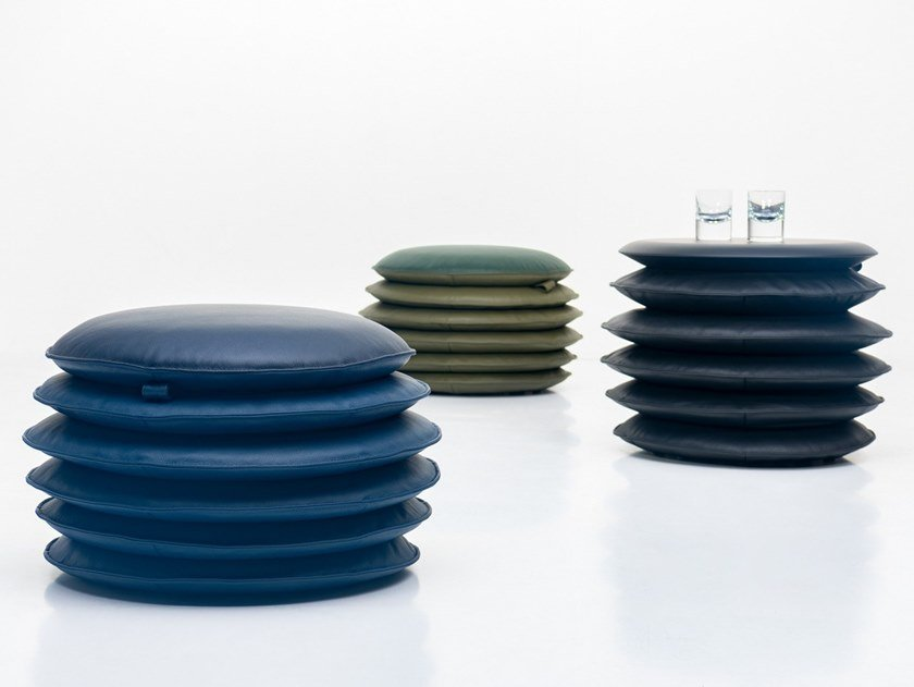 Round leather pouf DS-5050 | Pouf by de Sede