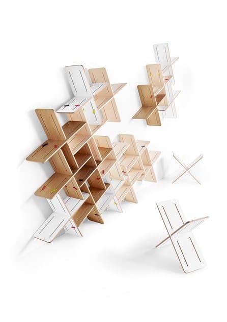 Contemporary style modular plywood storage wall DYNKS   Modular shelving unit by Tabanda