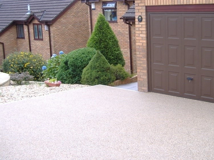 Vehicular draining resin Outdoor continous flooring DRIVEWAY by SureSet