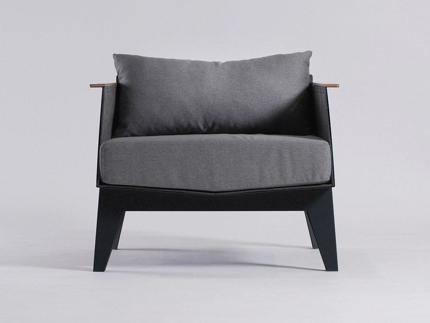 Upholstered armchair E6 by ODESD2