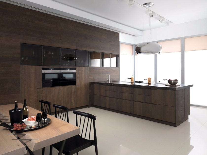Oak fitted kitchen with peninsula E7.70 by Gamadecor