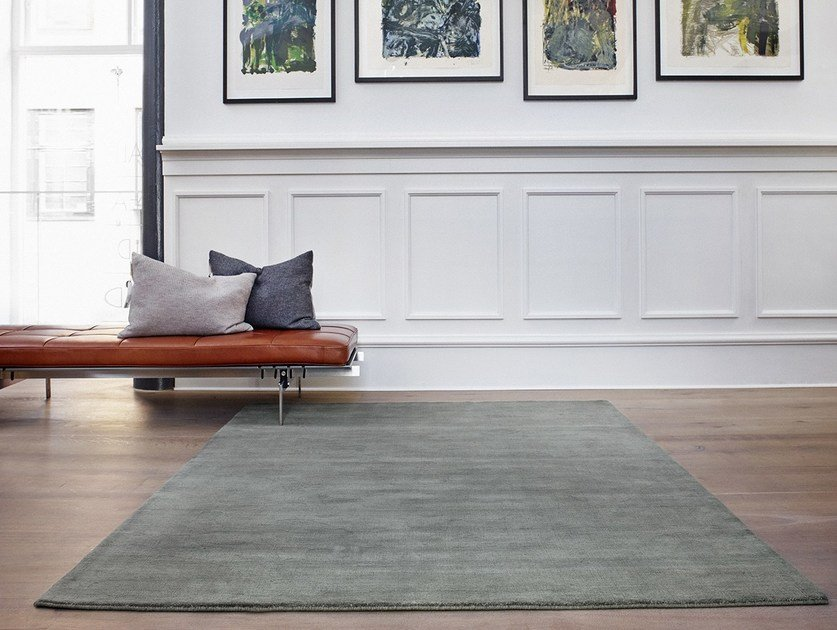 Solid-color handmade wool rug EARTH by Massimo Copenhagen