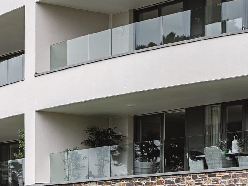 Glass and aluminium Window railing EASY GLASS® PRIME by Q-RAILING ITALIA